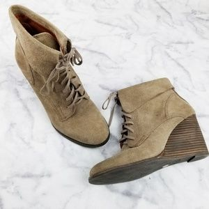 Lucky Brand|LP-yuzu Lace Up Taupe Booties